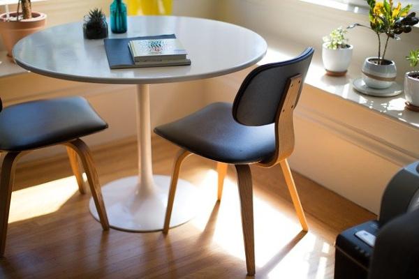 furniture-1840463_640.inh.jpg